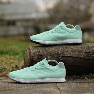 16626a8fab7 Reebok Shoes - Reebok Women s Size 9 Eve TR Cross Trainer Shoe